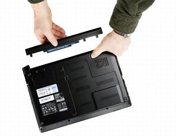 Cắm sạc liên tục hay sạc đầy và tháo nguồn điện ra để sử dụng?